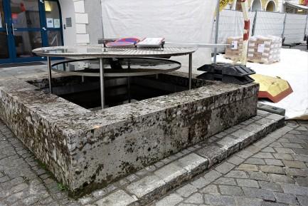 Brunnen desolat 2 - 20.3.2017 Unterer Stadtplatz