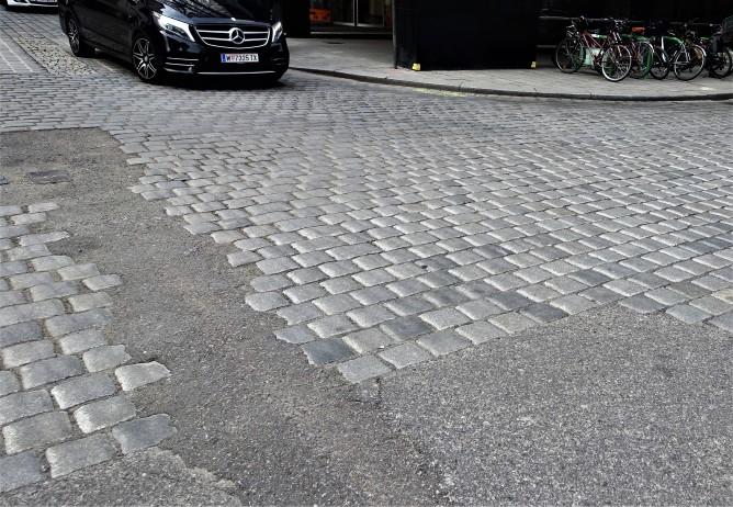 Wr. Würfel Stephansplatz - Totenturmstrasse werden 2017 völlig entfernt.