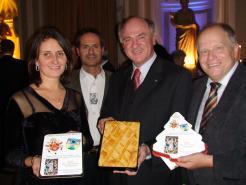 Stefano und Cornelia Ceccarelli LH Dr. Pröll, Karl Piaty Ybbstaler Apfelkuchen in Rom