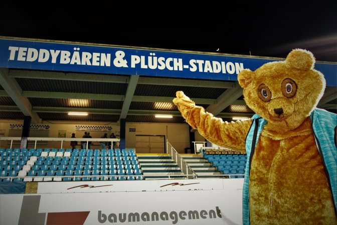 Stadionaufschrift mit ötscherbär