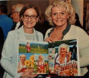 Buch Moritz innen Frau Renate wachauer Frau LH Mikl Leitner