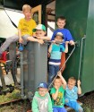 Kinder auf Waggon
