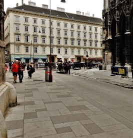 Wien Stephansplatz Fahrbahnen Beton 2017
