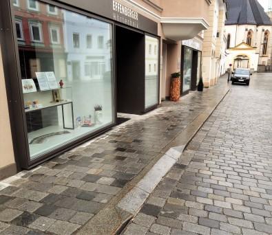 Abschrägung vor Auslage - früher Einfahrt Ob. Stadtpl