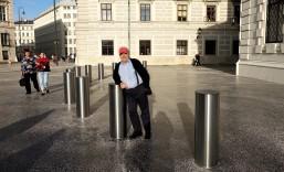 Hofburg Poller und neuer Gußasphalt