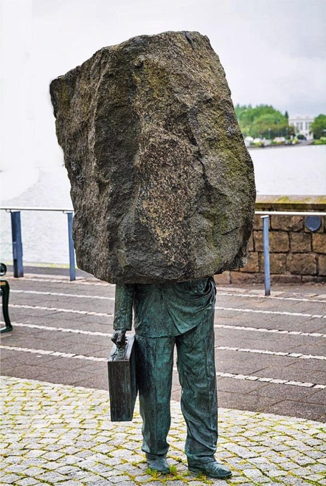 Granitstein statt Kopf