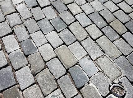 Pflaster 2 kaputt Untere stadt 5.9.2018