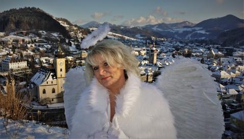 Renate Engerl Stadt 4 Hintergrund
