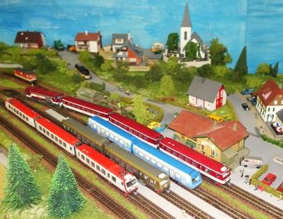 4090 Modellanlage Wachauer fern Bahnhof Kirche