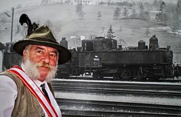 Herbert Marko mit alten Lokomotive von 1896 der Ybbstalbahn