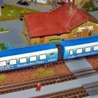 AKKU Zug auf Schiene