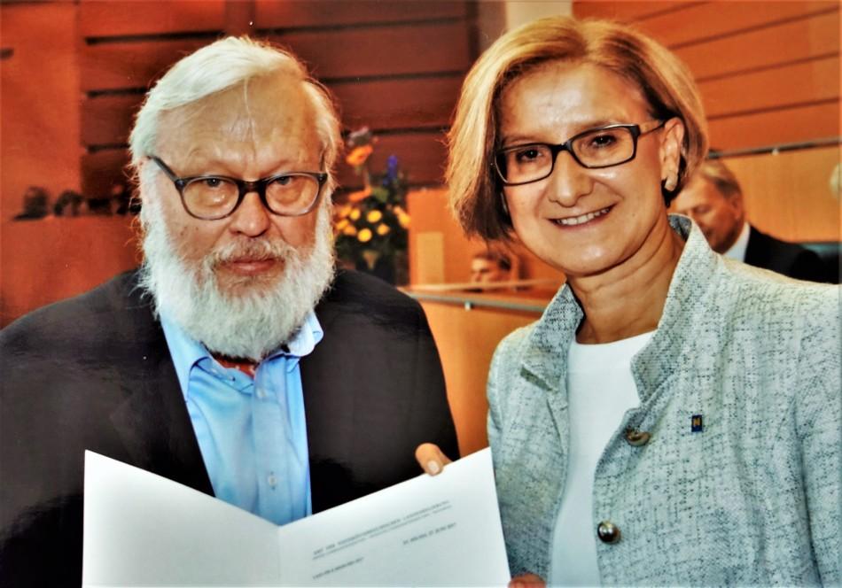 Schuhfried Mikl Leitner Urkunde Presse N.Ö.