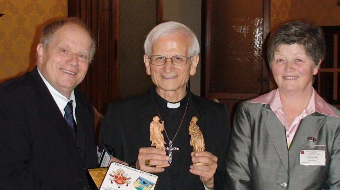 1 Cardinal Farina mit Fam. Piaty Rom März 09 Vatikan