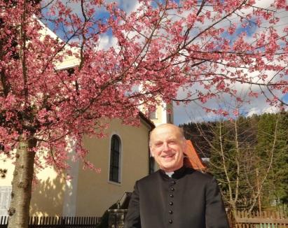 Karfreitag 2015 Kittl unter blühenden Baum