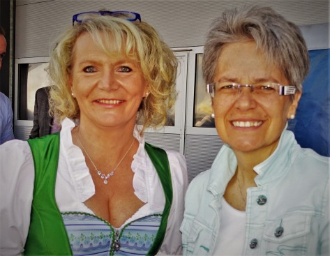Renate Wachauer mit Petra Bohuslav