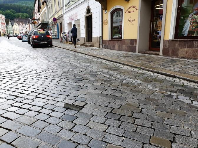 Pflaster Untere Stadt Mai 2020 nahe (2)