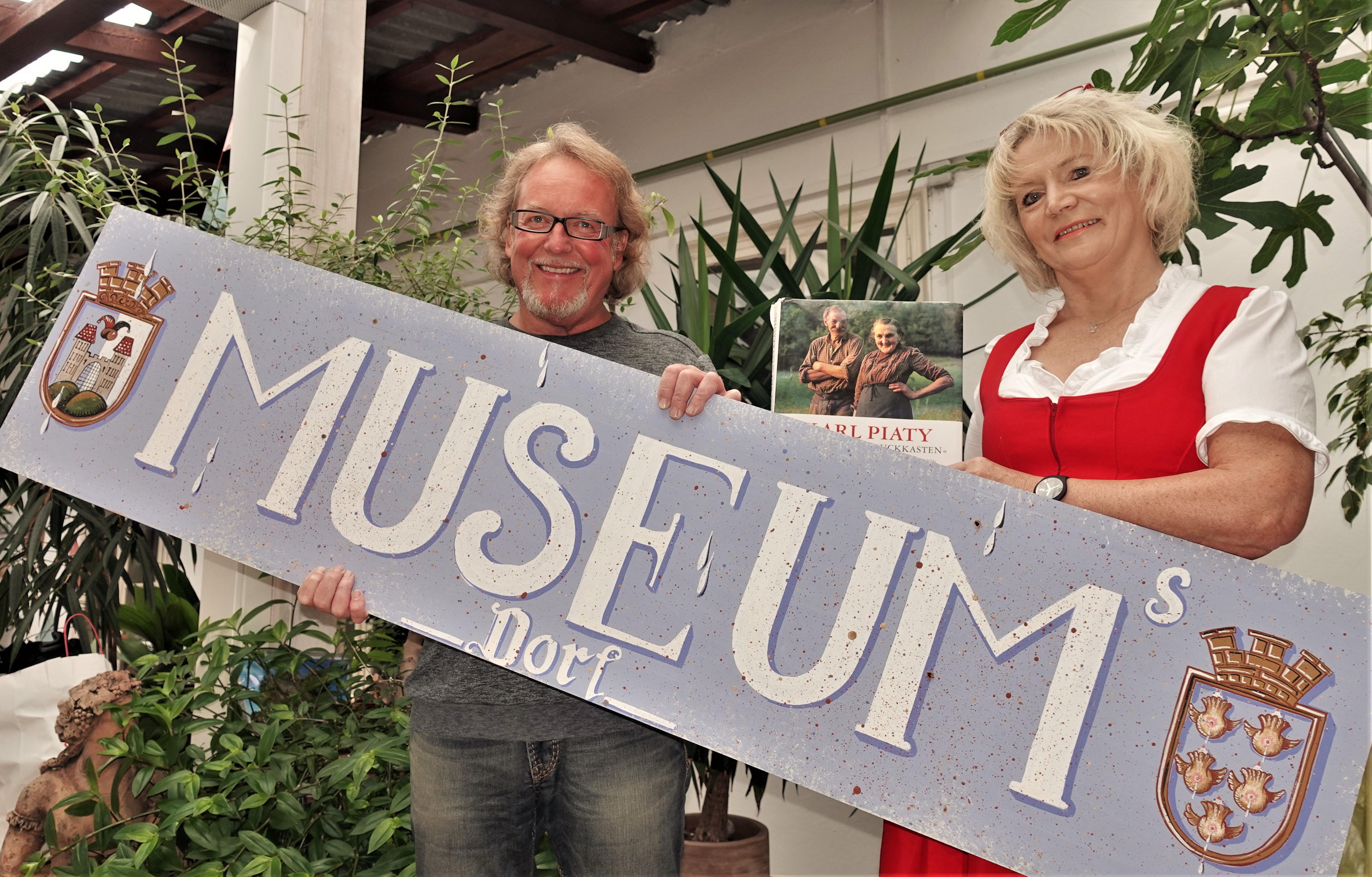 Künstler Herbert Petermandl und Renate Wachauer Schild 2 3